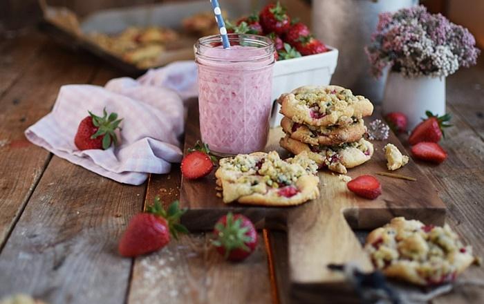 Erdbeer Crumble Muffin Cookies: Genuss pur