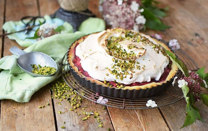 Erdbeer Rhabarber Meringue Pie: Her damit!