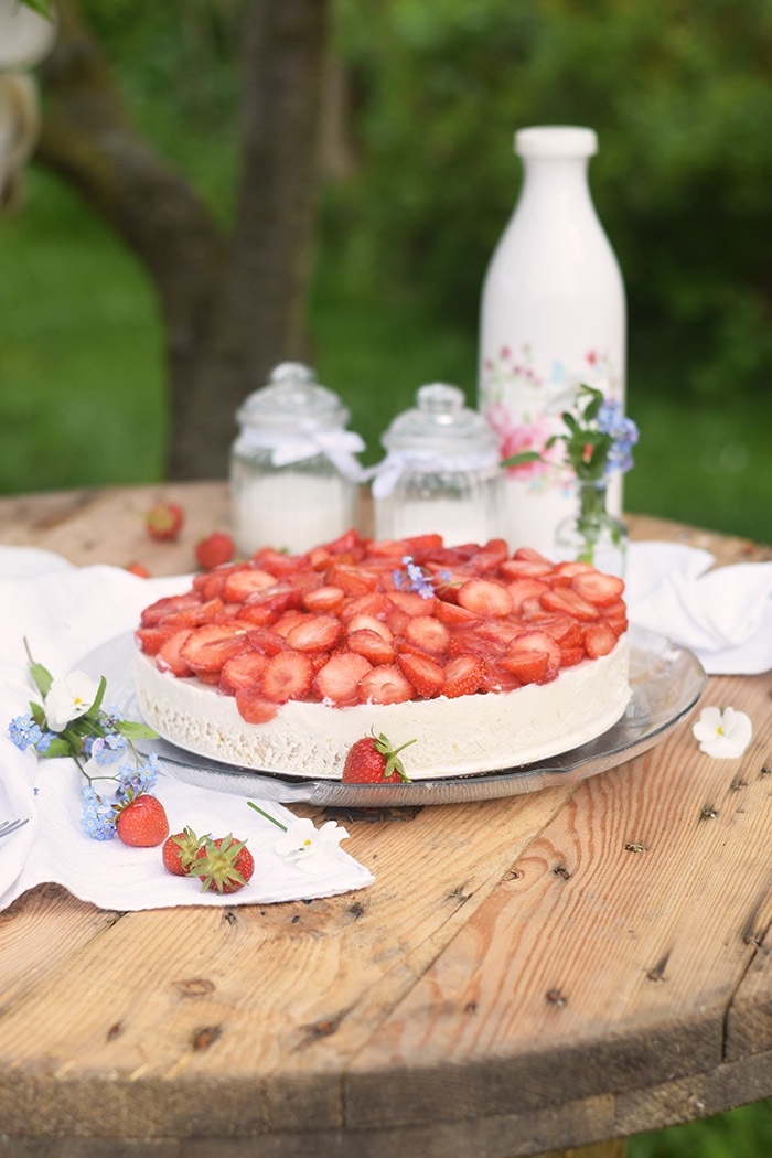 Erdbeer Zitronen Buttermilch Torte - Strawberry Lemon Buttermilk Cake (5)