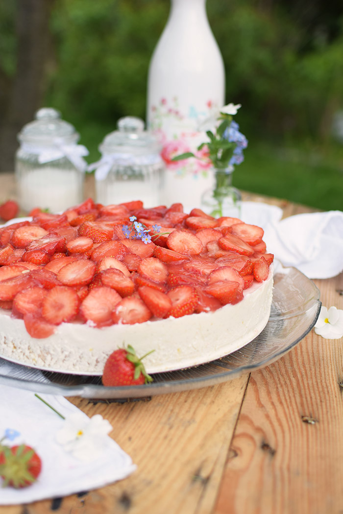 Erdbeer Zitronen Buttermilch Torte - Strawberry Lemon Buttermilk Cake (8)