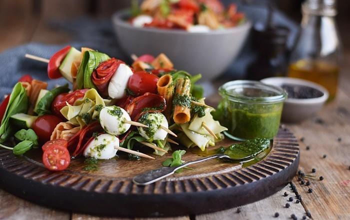 Pasta Salat Spieße & ein Gewinnspiel (Werbung)