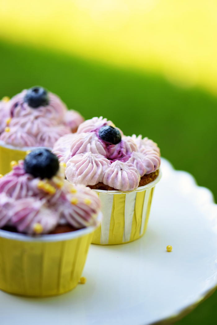 Beeren Cheesecake Cupcakes - Berry Cupcakes filled with Cheesecake (5)