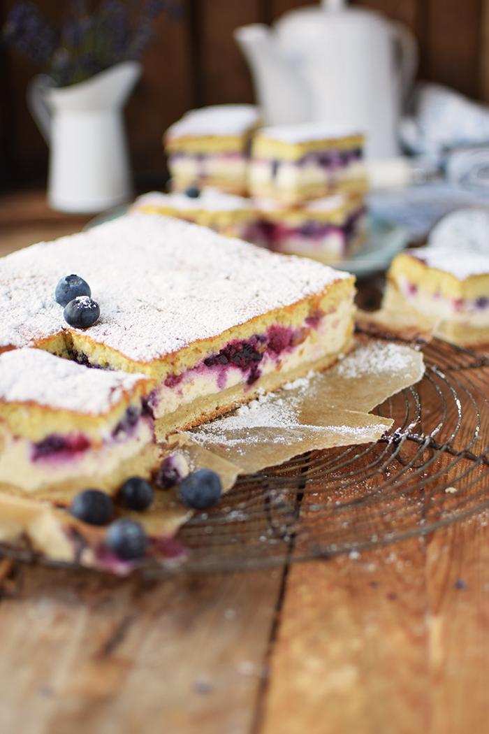 Eierschecke mit Beeren - Cheesecake with Berries (18)