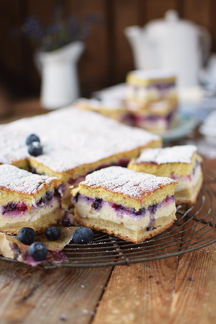 Eierschecke mit Beeren - Cheesecake with Berries (21)