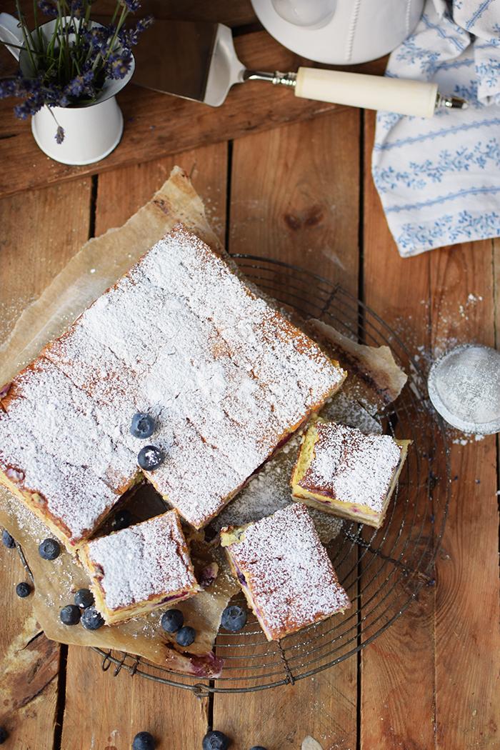 Eierschecke mit Beeren - Cheesecake with Berries (26)