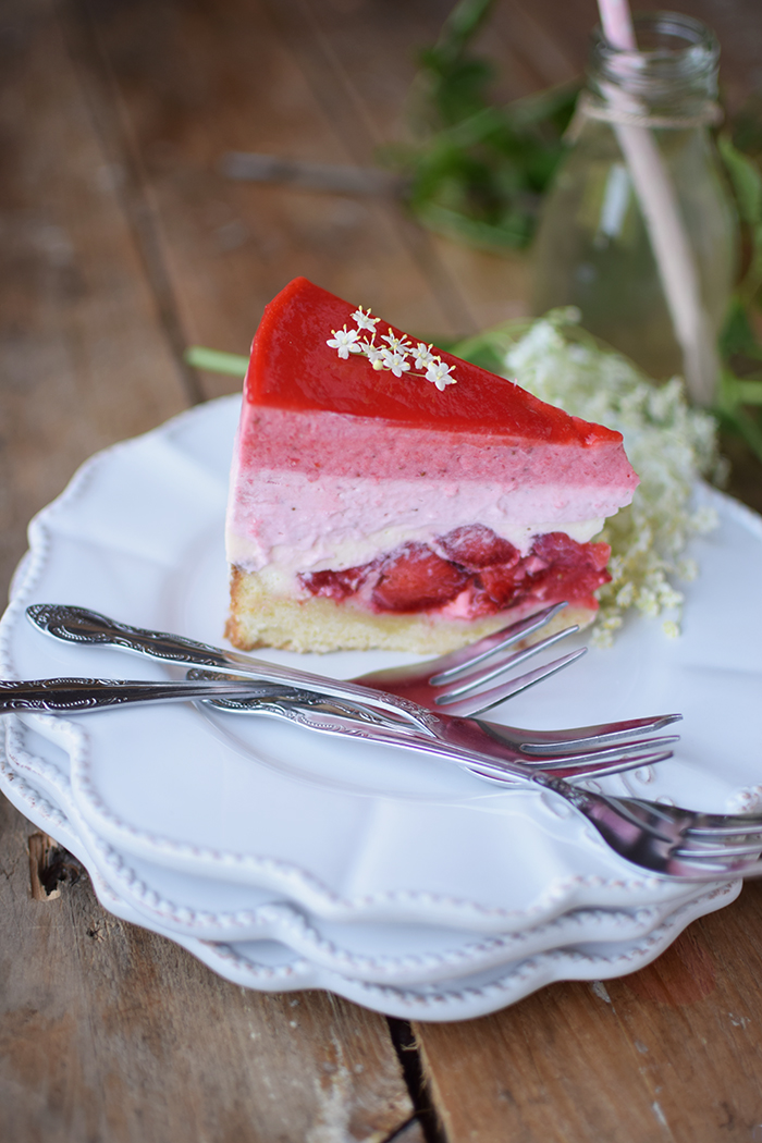 Erdbeer Holunderblueten Joghurt Torte - Strawberry Elderflower Yogurt Cake (24)