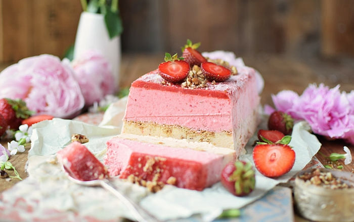 Erdbeer Pfirsich Parfait: Eis aus der Kuchenform