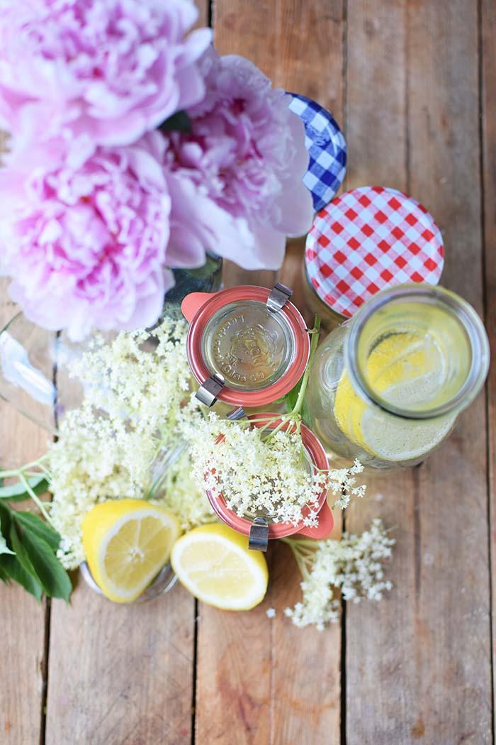 Holunderblueten Sirup & Schorle - Elderflower Cordial & Lemonoade (11)