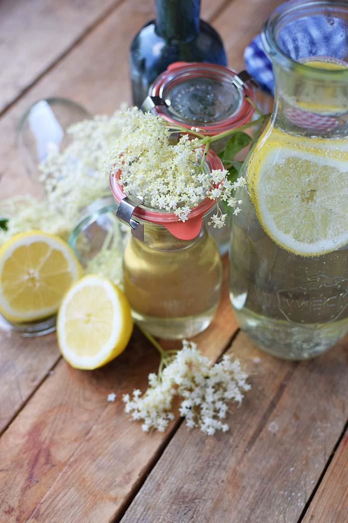 Holunderblueten Sirup & Schorle - Elderflower Cordial & Lemonoade (13)