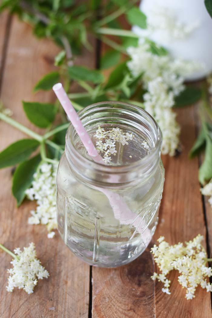 Holunderblueten Sirup & Schorle - Elderflower Cordial & Lemonoade (14)