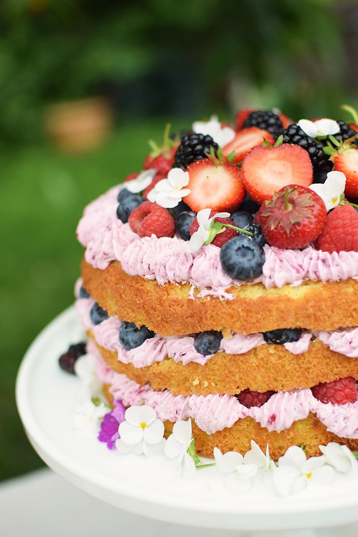 Zitronen Beeren Torte - Lemon Berry Naked Cake (6)