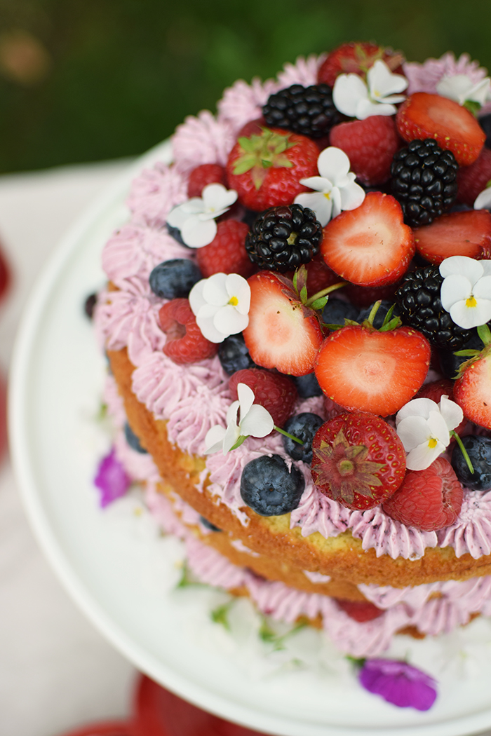 Zitronen Beeren Torte - Lemon Berry Naked Cake (7)