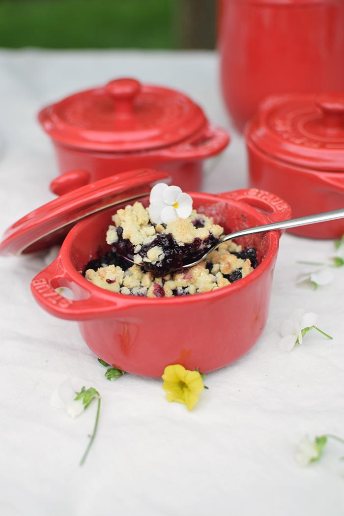 Beeren Crumble mit Ahornsirup - Berry Crumble with maple syrup (1)