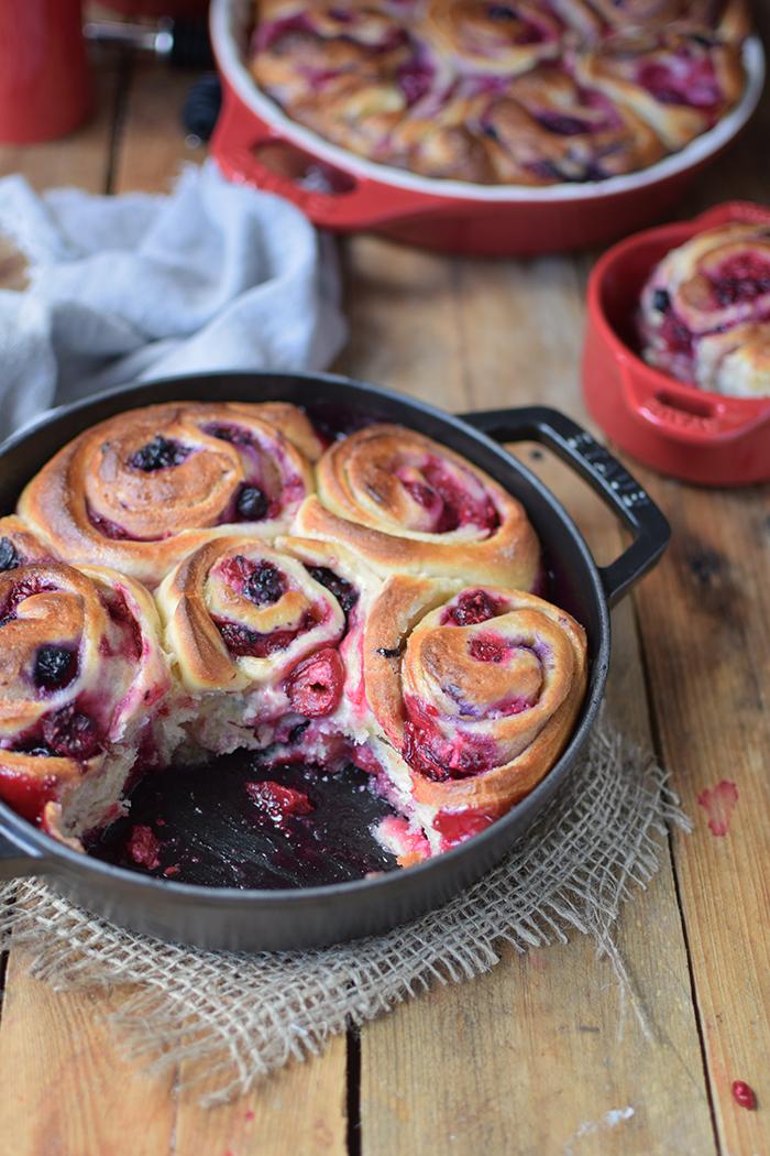 Beeren Schnecken mit Joghurt - Berry Summer Rolls with Yogurt (10)