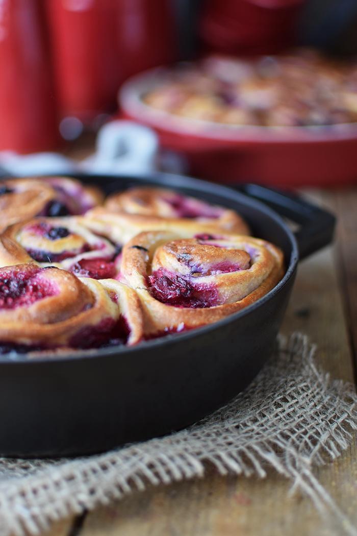Beeren Schnecken mit Joghurt - Berry Summer Rolls with Yogurt (8)