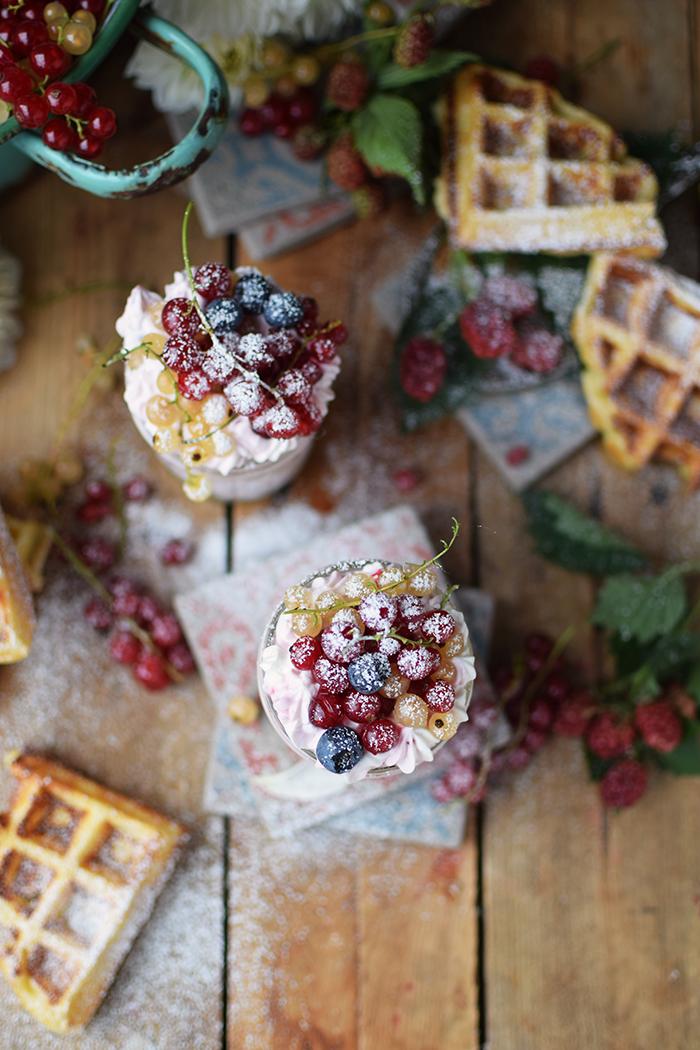 Beeren Waffel Tiramisu - Berry Waffle Tiramisu (13)