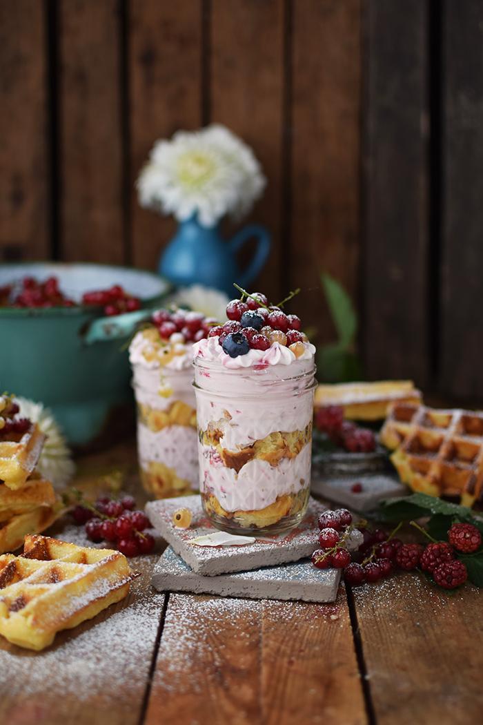 Beeren Waffel Tiramisu - Berry Waffle Tiramisu (3)