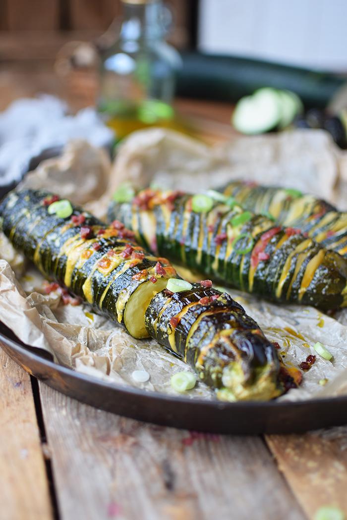 Hasselback Zucchini - Courgette - Rezept (15)