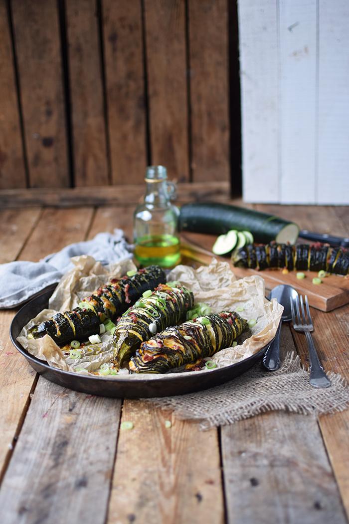 Hasselback Zucchini - Courgette - Rezept (16)