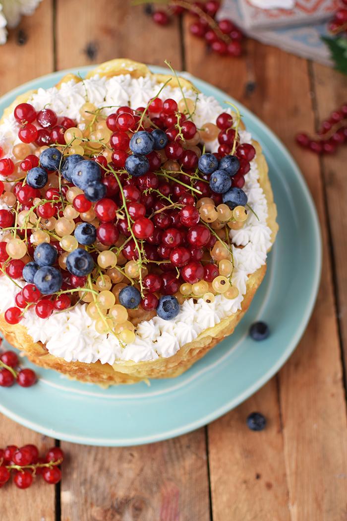 Quark-Waffeltorte mit Beeren - Waffle Cake with Berries Rezept (14)