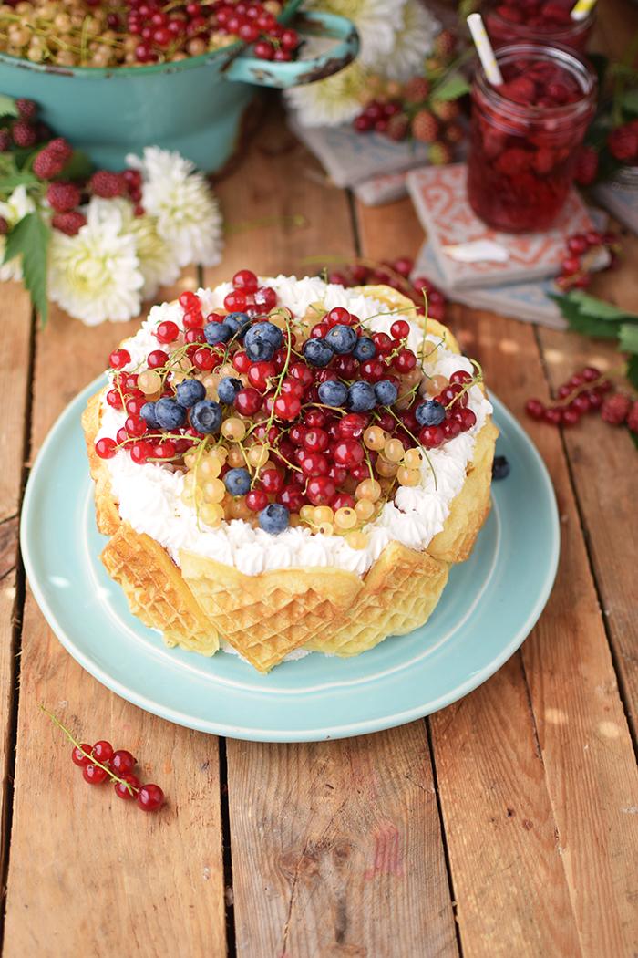 Quark-Waffeltorte mit Beeren - Waffle Cake with Berries Rezept (4)
