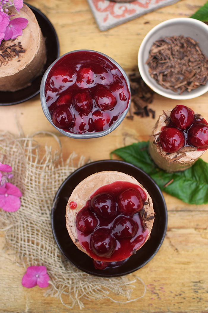 Geeiste Schoko Mousse mit Kirschen - Iced Chocolate Mousse with cherries (13)