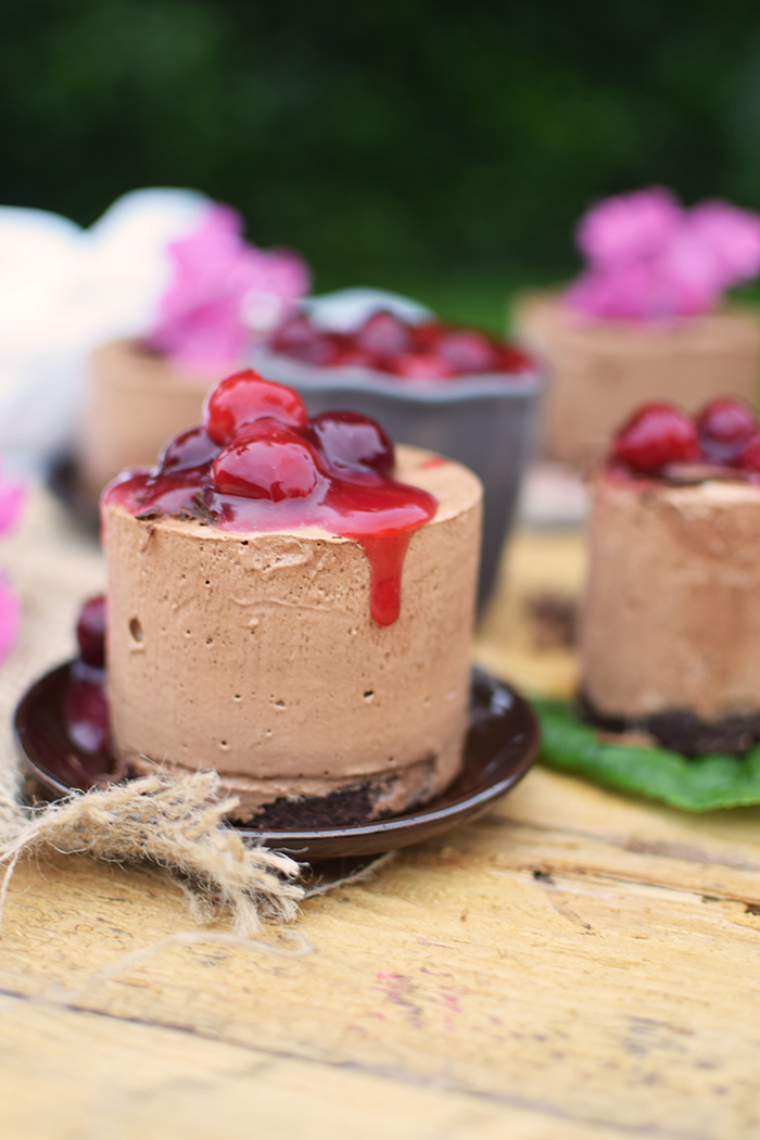 Geeiste Schoko Mousse mit Kirschen - Iced Chocolate Mousse with cherries (23)