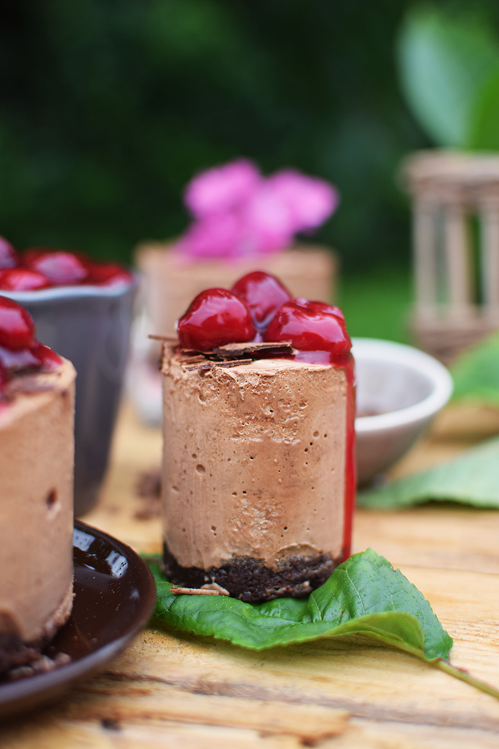 Geeiste Schoko Mousse mit Kirschen - Iced Chocolate Mousse with cherries (9)