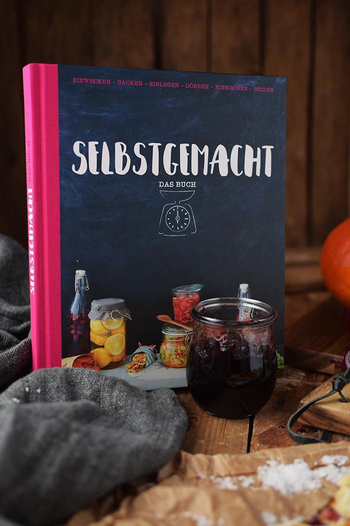 flammkuchen-mit-rotweinzwiebeln-und-kuerbis-tarte-flambe-with-red-wine-onions-and-pumpkin-rezept-18