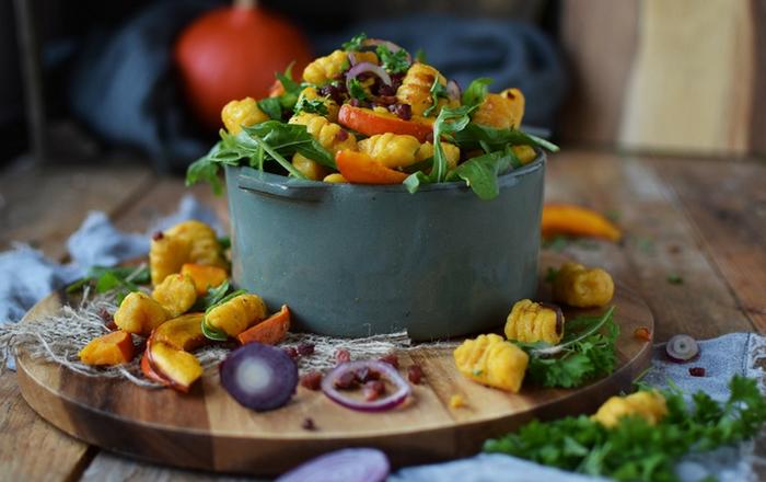 Kürbis Gnocchi Salat: Herzhafter Spätsommer
