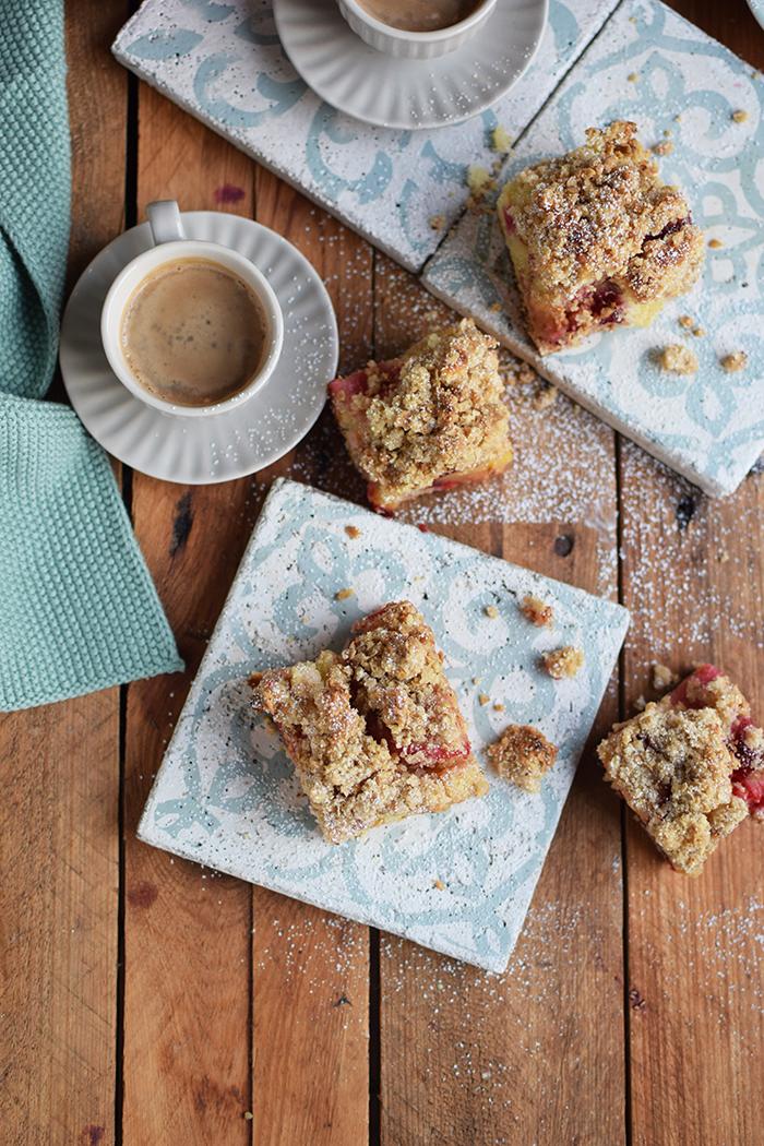 pflaumen-streusel-buttermilchkuchen-plum-crumble-buttermilk-cake-16