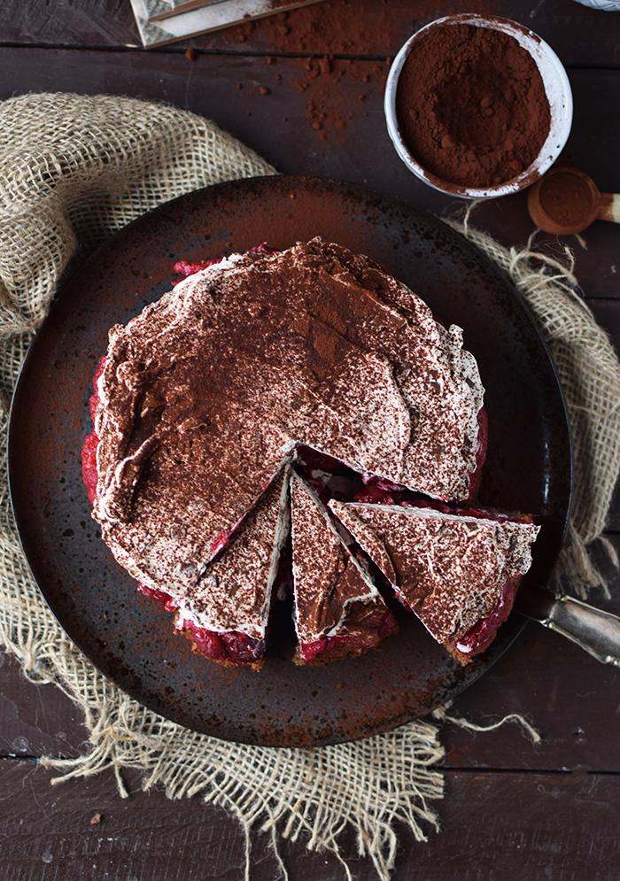 haselnuss-kirsch-kuchen-hazelnut-cherry-cake-17