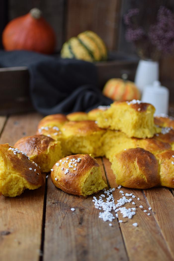 kuerbisbroetchen-pumpkin-rolls-11