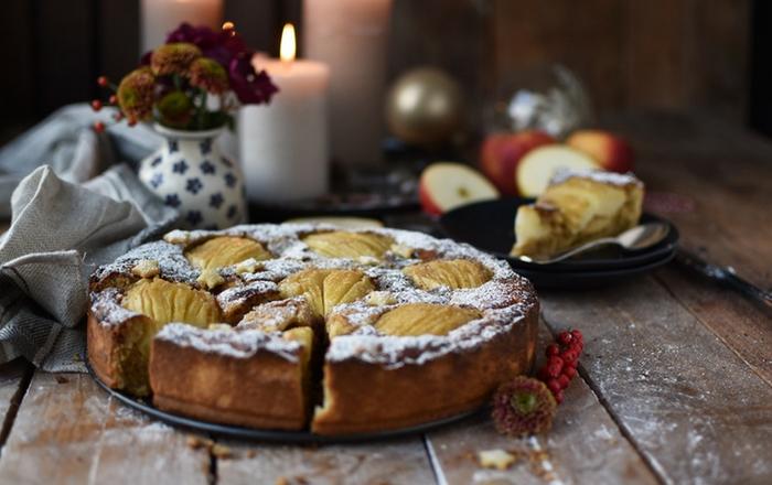 Bratapfelkuchen mit Mandeln und Zimt: Glitzerstübchen