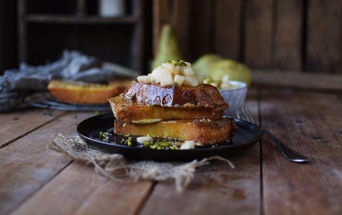 French Toast mit Honig-Birnen-Kompott und ein Gewinn (Werbung)