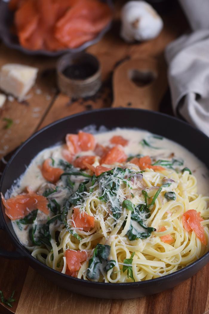 pasta-mit-spinat-und-lachs-smoked-salmon-spinach-pasta-12