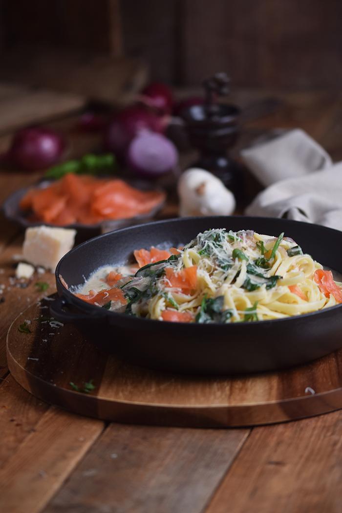 pasta-mit-spinat-und-lachs-smoked-salmon-spinach-pasta-14