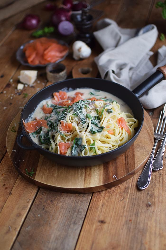 pasta-mit-spinat-und-lachs-smoked-salmon-spinach-pasta-8