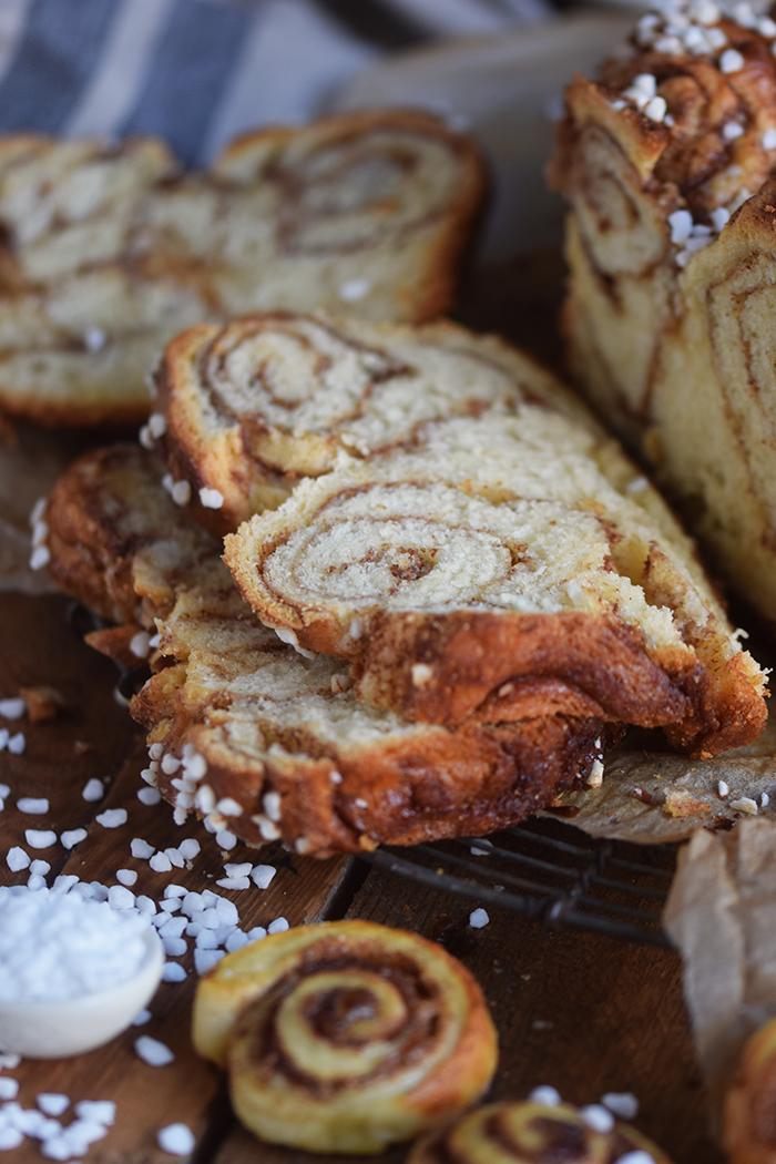 zimtschnecken-brot-cinnamon-roll-bread-16
