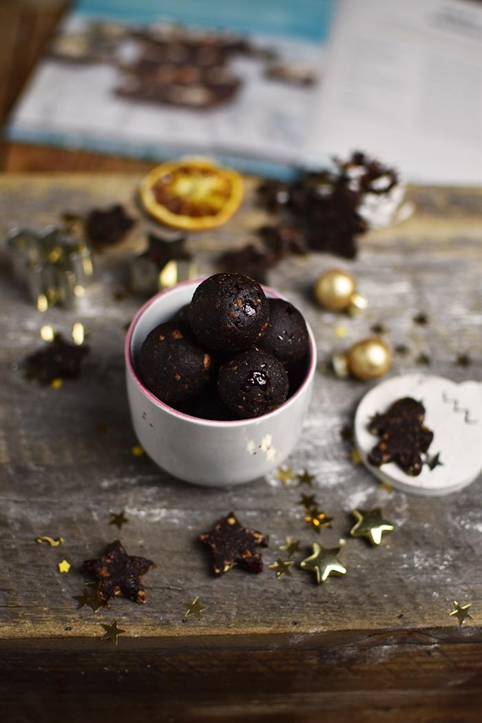 glutenfreie-no-bake-und-zuckerfreie-brownie-kugeln-3