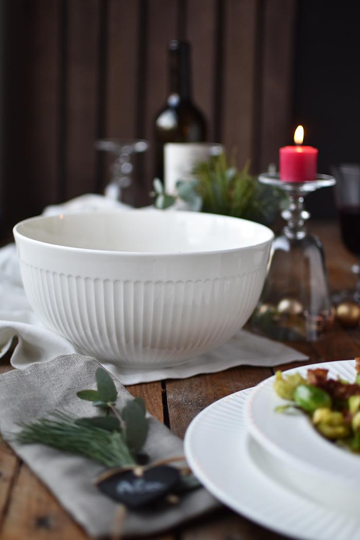 pastinaken-creme-suppe-mit-gebratenem-rosenkohl-und-croutons-15