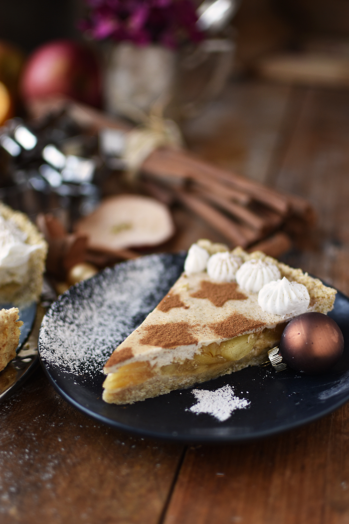 zimtstern-tarte-mit-apfel-panna-cotta-und-haferflocken-boden-15