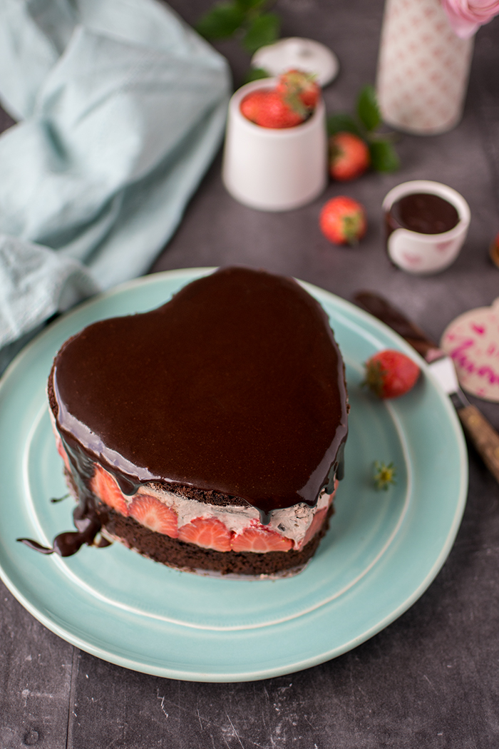 Erdbeer Schoko Herz Torte Muttertagsleckerei Knusperstubchen