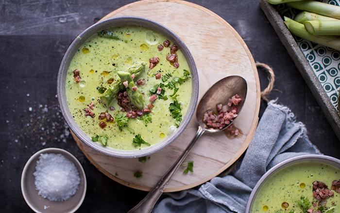 Grüne Spargel-Creme-Suppe