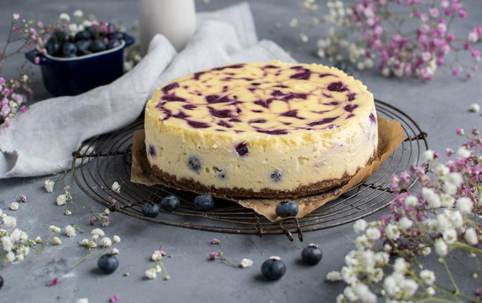 Blaubeer-Swirl-Cheesecake
