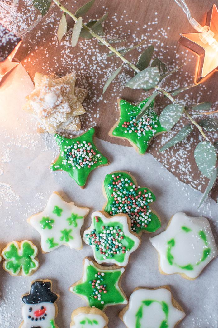 Weihnachtsplätzchen Glasur.Ausstechplätzchen Oder Auch Die Besten Butterplätzchen Mit Zuckerglasur