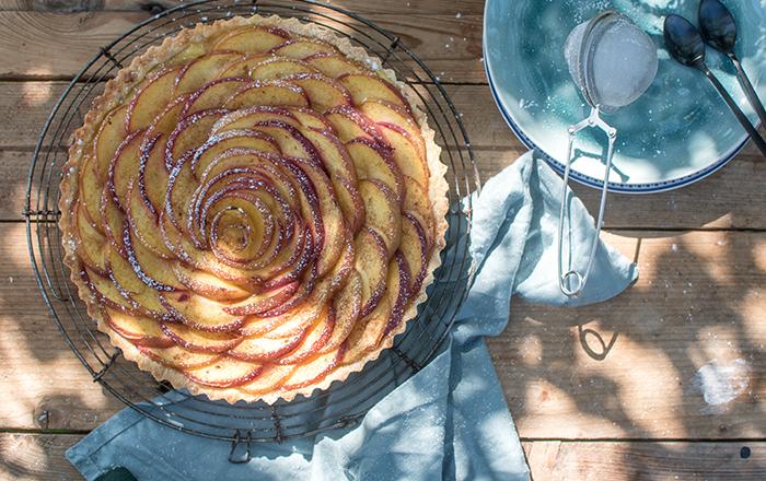 Pfirsich-Tarte mit Cremefüllung: Hallo Garten!