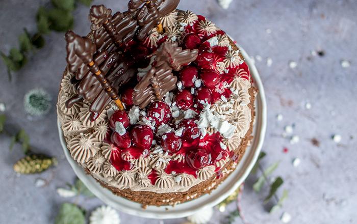 Lebuchen-Torte mit Glühweinkirschen und ein Gewinn