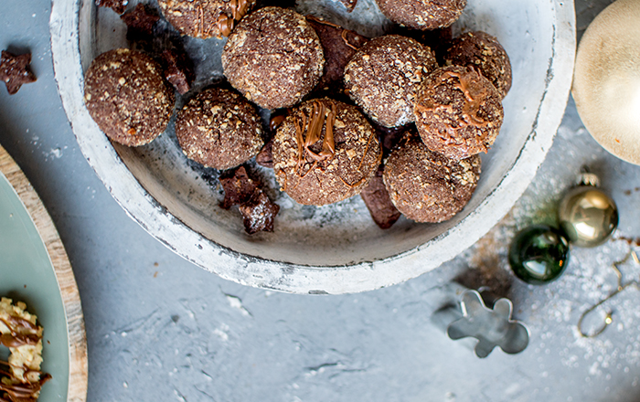 Nougat-Bällchen mit Haselnüssen