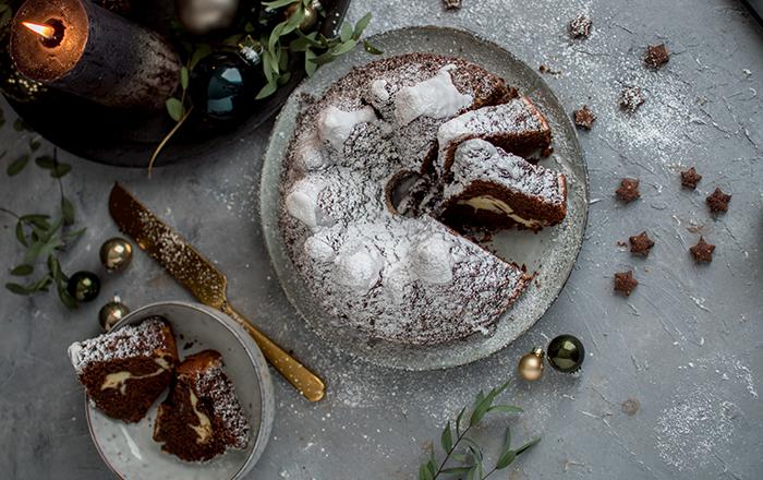 Rotweinkuchen-Gugelhupf mit Cheesecake & Gewinnspiel
